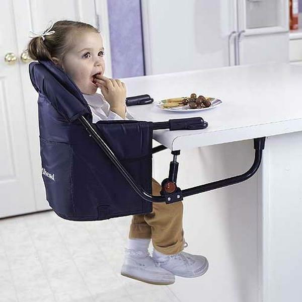 Hochstuhl mit Tisch für kleine süße Babys!