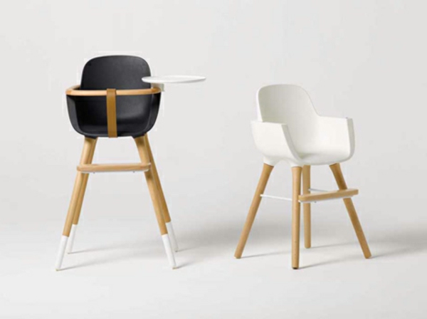 hochstuhl mit tisch f r kleine s e babys. Black Bedroom Furniture Sets. Home Design Ideas