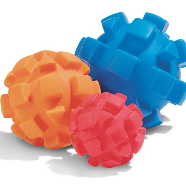 schönes-hunde-spielzeug-ball-zum-spielen-hundeball--spielzeug-für-hunde