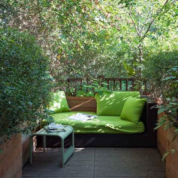 Schickes Grünes Modell Vom Sofa Im Eleganten Kleinen