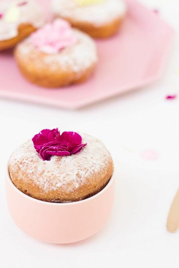 schmackhafte-cupcakes-blumen-zum-essen-cupcakes-verzieren