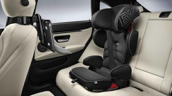 -schwarzer-autositz-baby-autositz-kinder-autokindersitz-