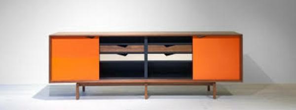 skandinavische-möbel-orange-akzente
