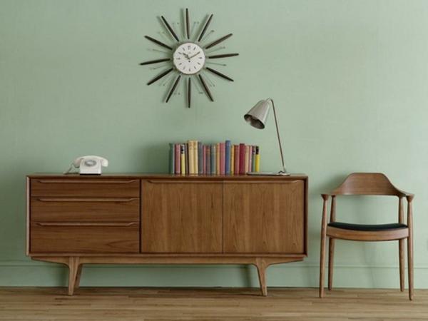 skandinavisches-möbel-schrank-aus-holz