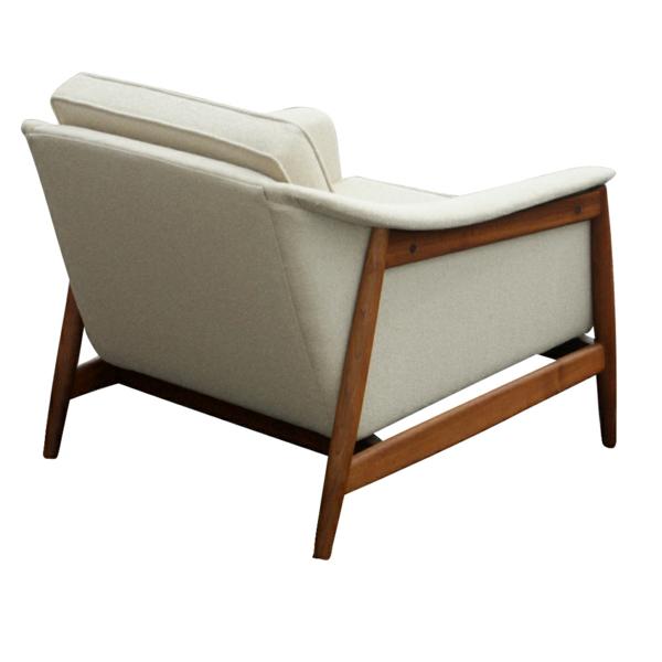 skandinavisches-möbel-weißer-sessel