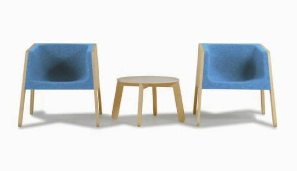 skandinavisches-möbel-zwei-blaue-stühle