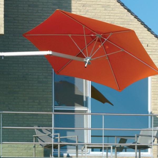 sonnenschirm-für-balkon-orange-farbe