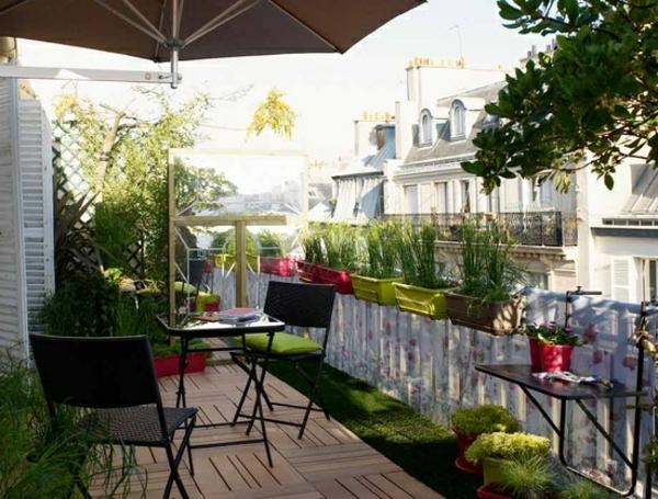 sonnenschirm-für-balkon-wunderschöne-terassengestaltung