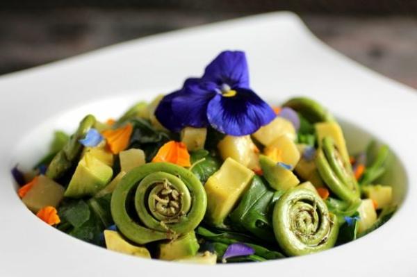 speisen-deko-floral-blumen-essen--avocado-