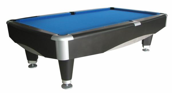 interessanter  tisch für billard in schwarz und blau