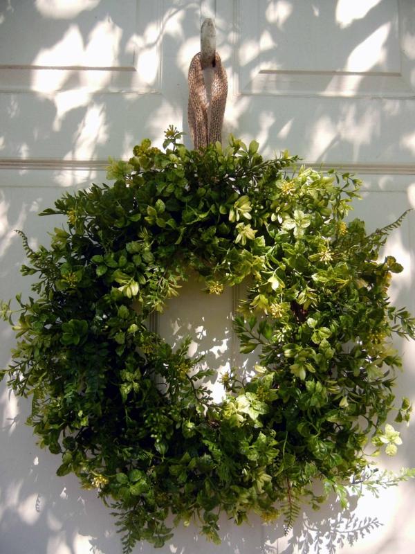 türkränze-frühling-grün-und-schön