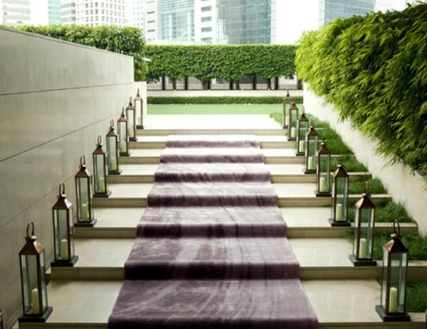 treppen mit einem lila outdoor teppich