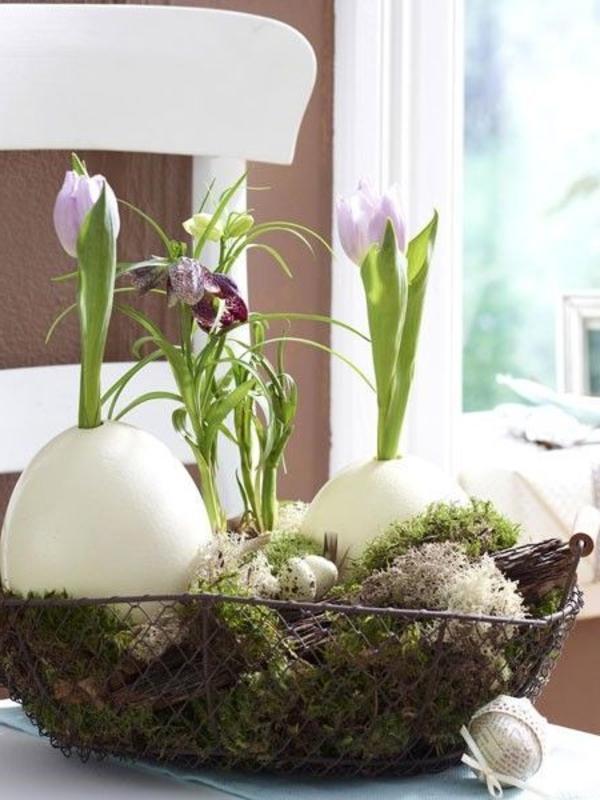 tischdeko-zum-frühling-ideen-für-ostern-tischdekoration-mit-eiern-