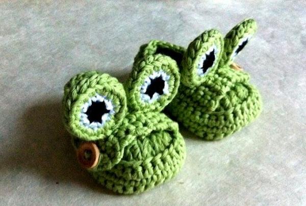 tolles-design-häkeln-babyschuhe-fantastische-ideen-für-häkeleien--grüner-frosch