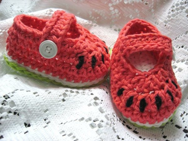 tolles-design-häkeln-babyschuhe-fantastische-ideen-für-häkeleien-in-rot