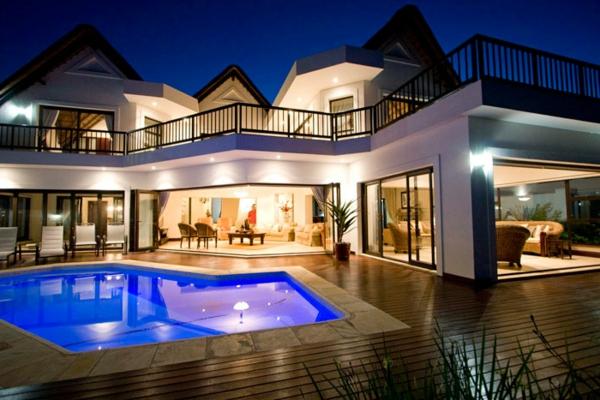 traumhäuser-luxus-ferienhaus-mit-pool