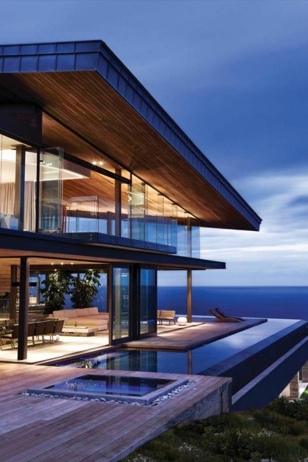 traumhaftes-luxushaus-mit-einem-fantastischen-pool-super-moderne-architektur