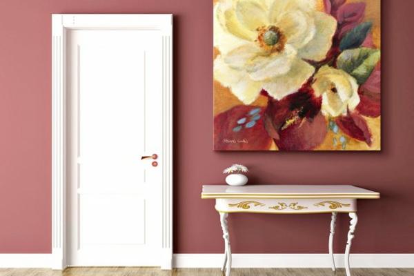 trend  farbe-marsala-weiße-tür-elegantes-quadratsiches-bild-an-der-wand-ein sehr schönes und süßes bild