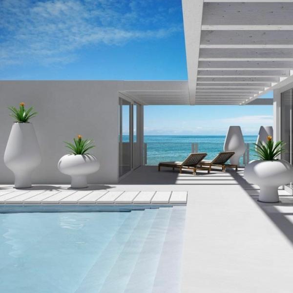 ultra-modernes-luxus-ferienhaus-haus-mit-pool-haus-am-strand
