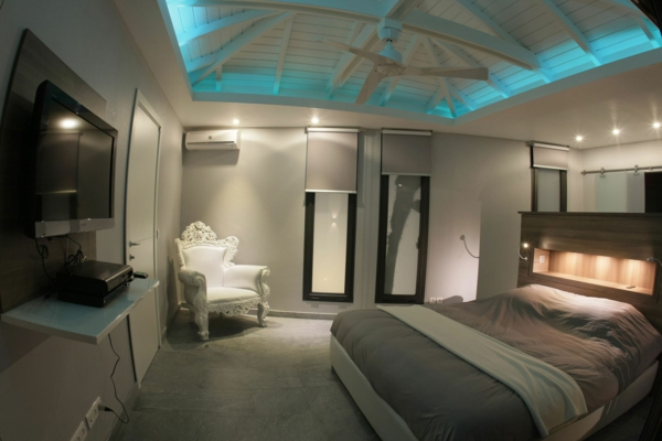 unikale-deckengestaltung-schlafzimmerdach-gestalten-beleuchtung