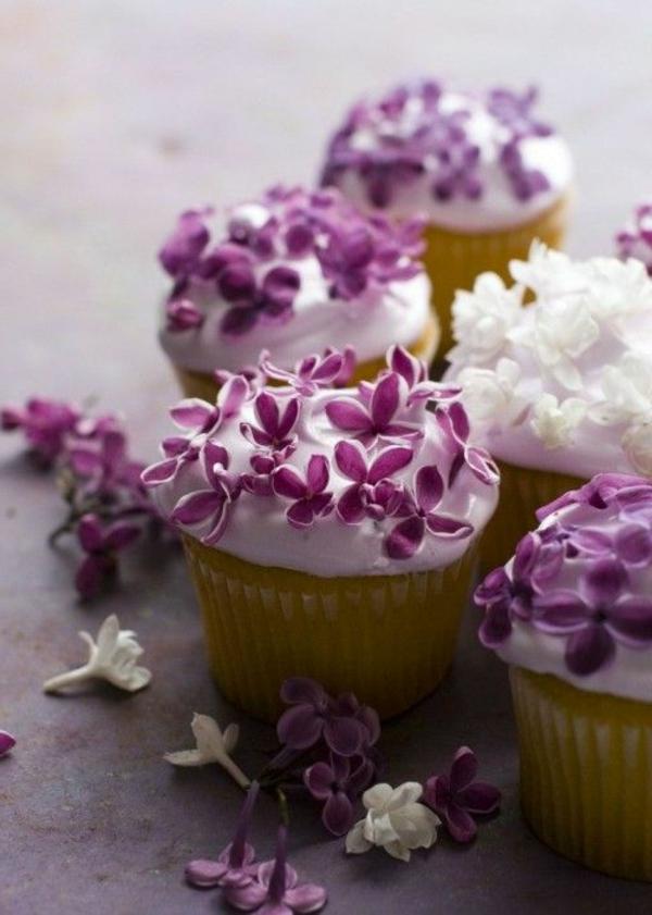 veilchen-zum-essen-cupcakes-verzieren-