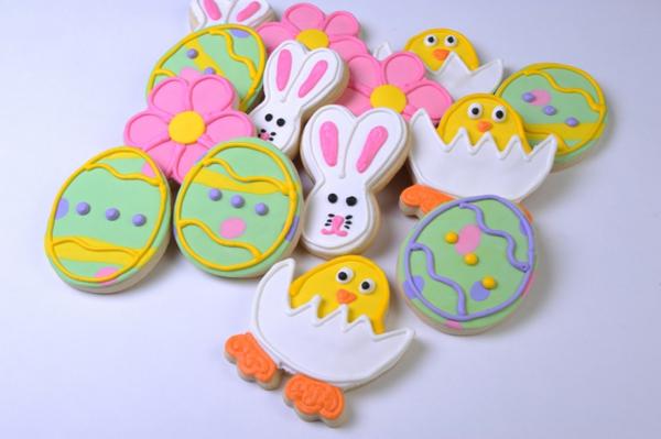 verzierte-süßigkeiten-mit-vielen-farben