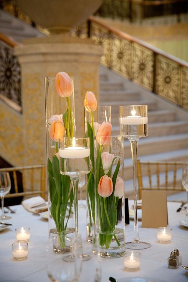 wunderbare-tischdeko-zum-frühling-ideen-für-ostern-tischdekoration-mit-tulpen