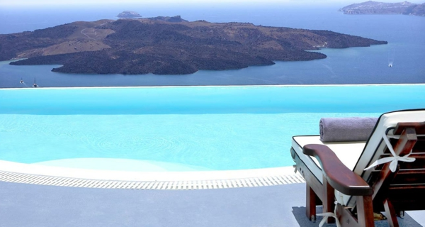 wunderbares-design-schwimmbecken-design-idee-infinity-pool-wunderschönes-design
