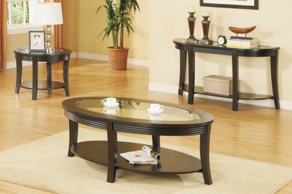 wunderschön-aussehender-und-elegant-gestalteter-tisch-mit-ovaler-form-modell-in-einem-sehr-gemütlichen-wohnzimmer