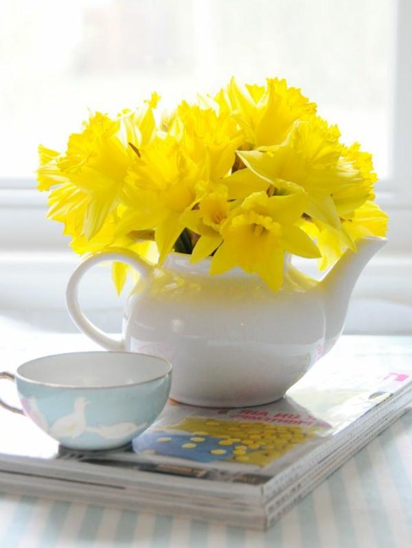 wunderschöne-frühlingsblumen -frühlingspflanzen -pflanzen-gelb-osterglocken-gelb