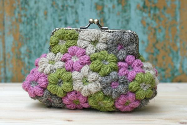 wunderschöne-handtasche-häkeln-blumen-