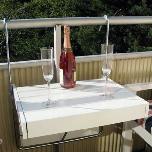 wunderschöner-modern-aussehender-tisch-für-balkon-kleines-süßes-modell-in-weißer-farbe
