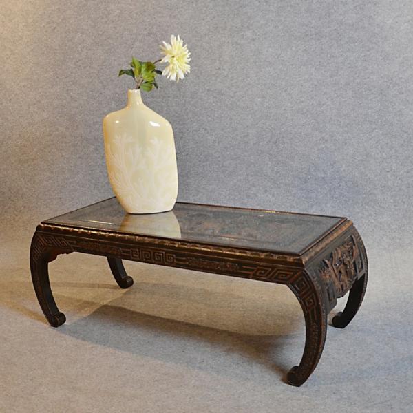 wunderschöner-orientalischer-tisch-interessante-form