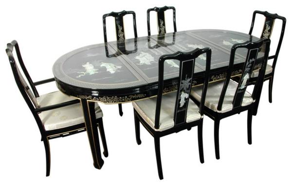 wunderschöner-orientalischer-tisch-ovale-form-mit-stühlen