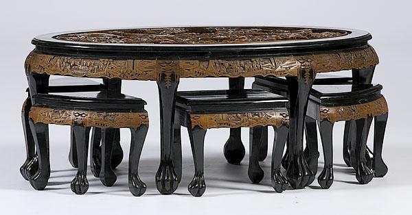wunderschöner-orientalischer-tisch-rundes-modell-mit-stühlen