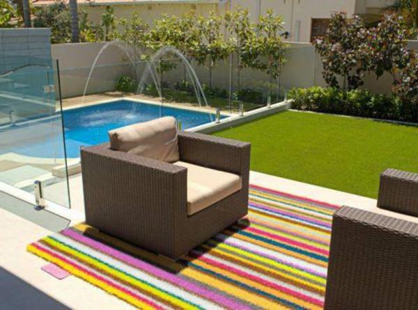 gr ner teppich terrasse neuesten design. Black Bedroom Furniture Sets. Home Design Ideas