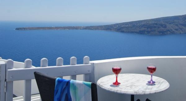 Appartements-in-Santorini-mit-Meersich