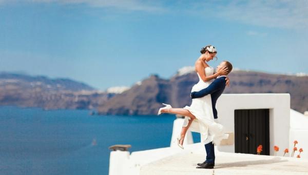 Brautpaar-in-Santorini