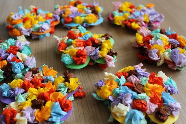 Dekoration-mit-Papierblumen-resized