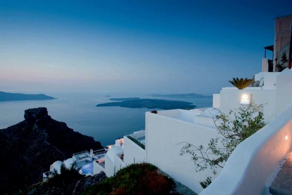 Hotel-in-Santorini-mit-schöner-Meersicht