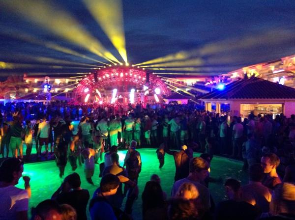 Ibiza-in-der-Nacht-resized
