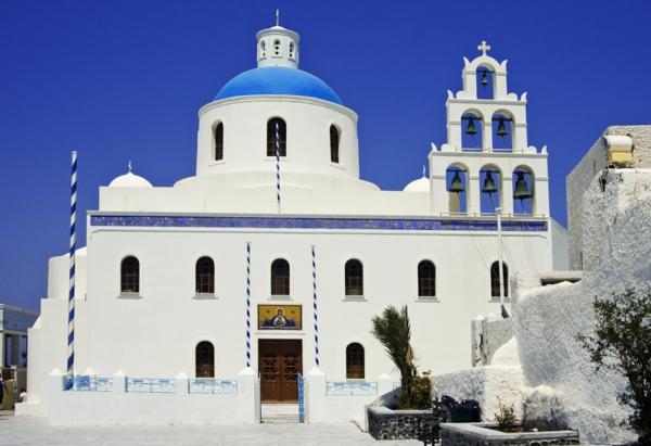 Kirche-in-Oia