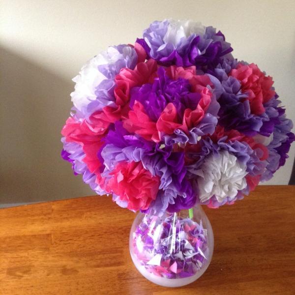 Papierblumen-in-starken-Farben-resized