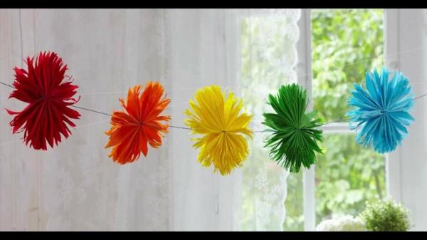 Papierblumenkette-resized