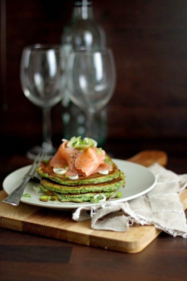 Ricotta-Spinat-Pfannkuchen-garniert-mit Lachs-resized