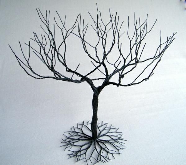 Ständer-Draht-Baum-Ästen-Wurzeln