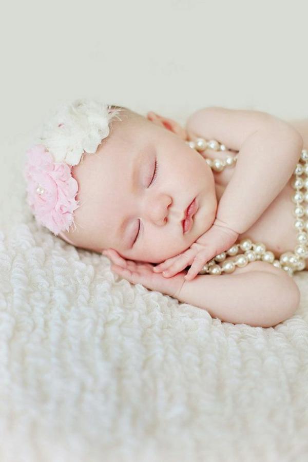 baby-prinzessin schläft ruhig