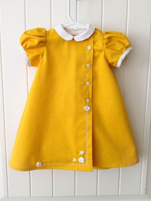 babykleider-gelbe-kleider-trendiges-design-moderne-kleider-sommerkleider-gelbes-kleid