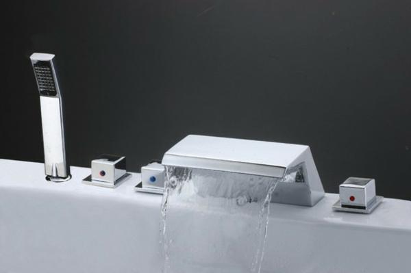 badewanne-armaturen-modernes-weißes-design