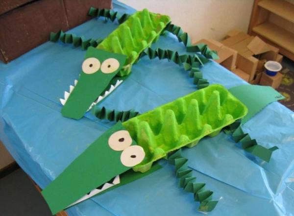 basteln-mit-karton-grüne-krokodile